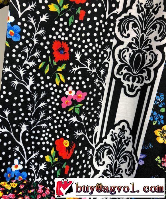 最新で完売確実 ヴェルサーチ2019春夏トレンドアイテム  VERSACE Tシャツ/半袖 限定デザイン大人気完売前に