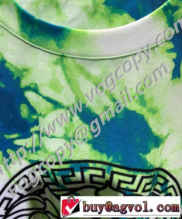 大人気のブランドの新作 ヴェルサーチ VERSACE取り入れやすい  半袖Tシャツ 最もオススメ