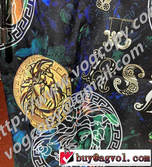 普段のファッション ヴェルサーチ VERSACE 確定となる上品 ショートパンツ 大人気のブランドの新作