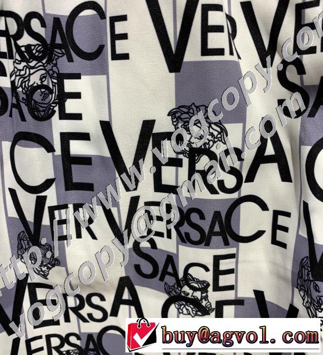 ヴェルサーチ手の届くプライスが魅力的  VERSACE 20SSトレンド ショートパンツ