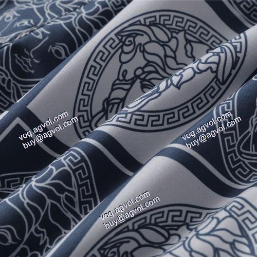 欧米韓流/雑誌 2021春夏 ヴェルサーチVERSACE バランス良い VERSACEスーパーコピー 激安