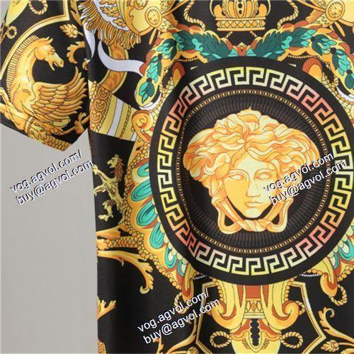 半袖Tシャツ VERSACEブランドコピー 超人気美品◆ ヴェルサーチVERSACE 2021春夏