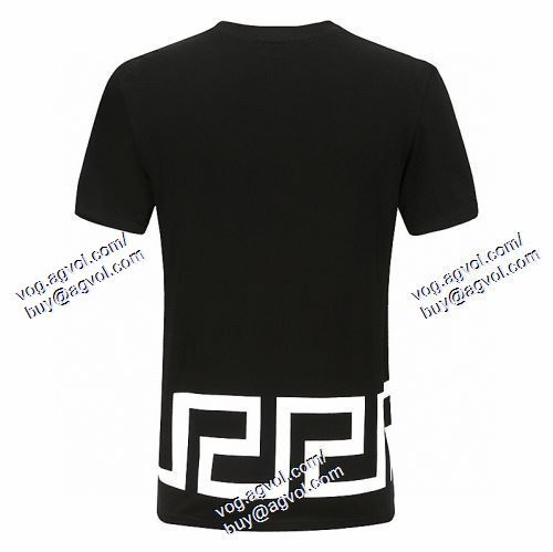 VERSACEブランド 偽物 通販 2色可選 高級感溢れるデザイン 半袖Tシャツ ヴェルサーチVERSACE 2021春夏