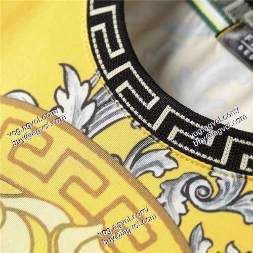 ヴェルサーチVERSACE 2021春夏 半袖Tシャツ 2色可選 首胸ロゴ VERSACEコピーブランド