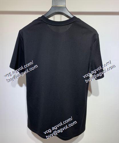 VERSACE偽物ブランド ヴェルサーチVERSACE 2色可選 半袖Tシャツ 大人っぼい 2021春夏