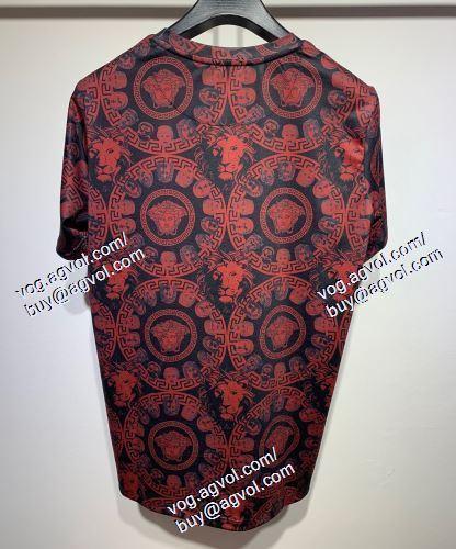 VERSACEスーパーコピー 半袖Tシャツ ヴェルサーチVERSACE 2021春夏 スタイリッシュな印象