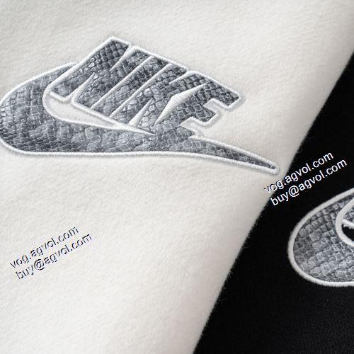 活用できるアイテム 2021秋冬 シュプリーム Supreme 21ss パーカー 2色可選 日常のアウター使える シュプリームコピー ブランド